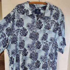 Tropical leaf lightweight shirt